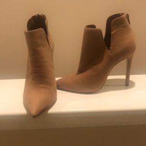 """Steve Madden """"Dip"""" bootie heels"""
